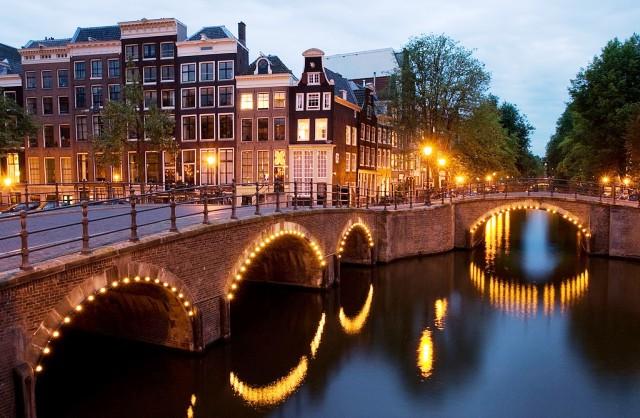 Amsterdam canal Netherlands - image Jean-Pierre Dalbera via Fotopedia