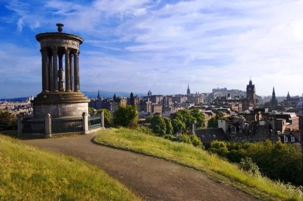 Edinburgh - Calton Hill - photo c/o visitbritain.co.uk