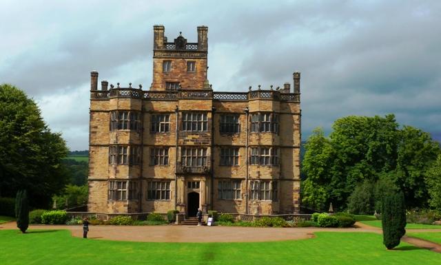 Gawthorpe Hall Burnley Lancashire - image Zoe Dawes