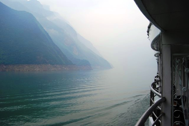 Misty Morning on the Yangtze River China - image Keith Kellet