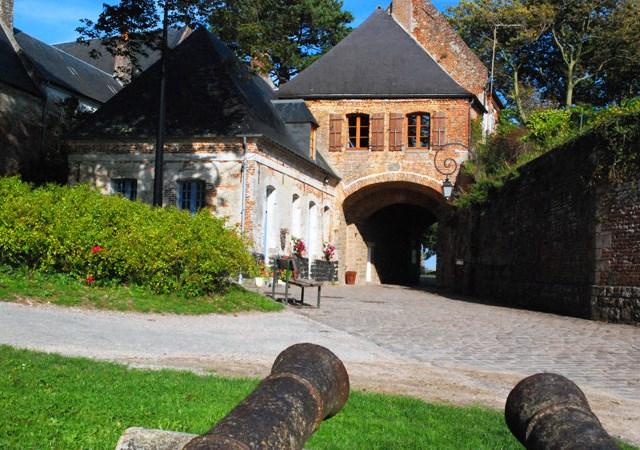 Montreuil sur Mer Citadel - image www.tourisme-montreuillois.com