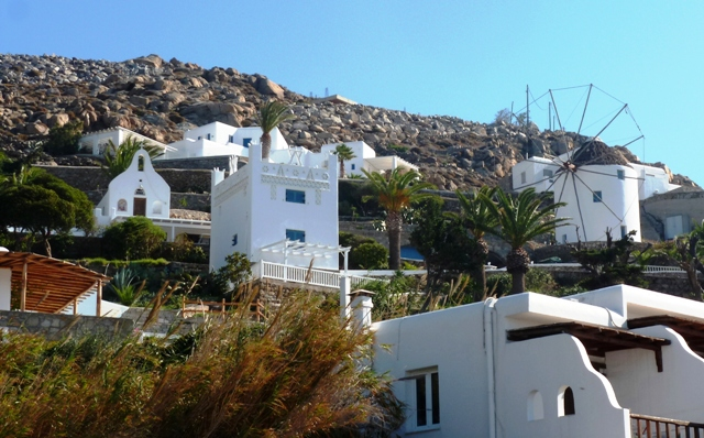 Ornos architecture on Mykonos - by Zoe Dawes