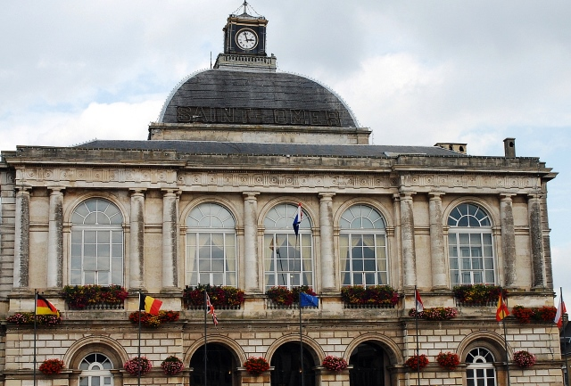 Saint-Omer Town Hall - image Paul Hermans