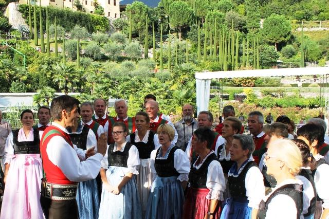 South Tyrol Day of Choirs singing Trauttmansdorff Gardens - image Zoe Dawes