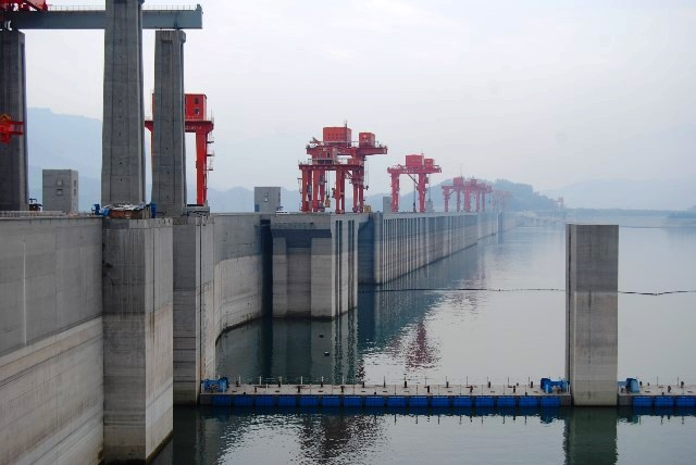 Three Gorges Dam, Yangtze River China - image Keith Kellet