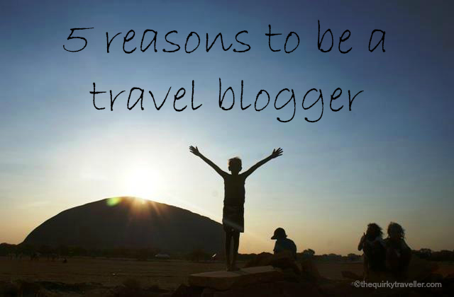 5 reasons to be a travel blogger - Australia, Uluru at sunset - image Zoe Dawes