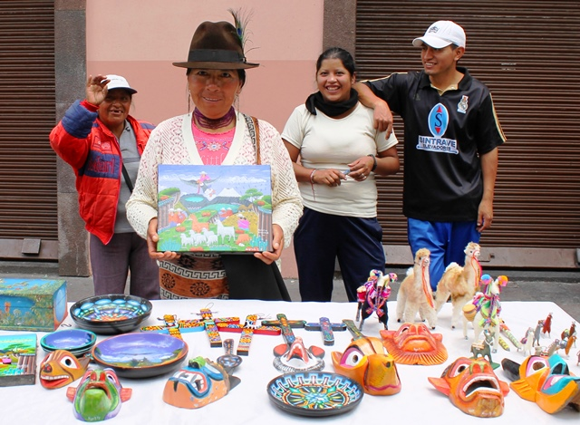 Art seller in Quito, Ecuador - image Zoe Dawes