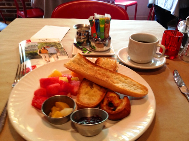 Breakfast at L'Auberge Place D'Armes - By Zoe Dawes
