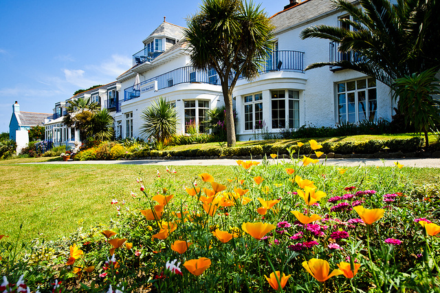 The White House Hotel Herm c/o www.herm.com