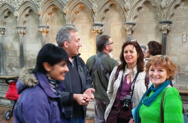Travel bloggers in the Chapter House Salisbury Cathedral - image Thomas Dowson