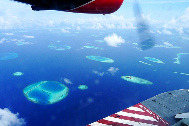 Maldives from plane - photo by timo_w2s