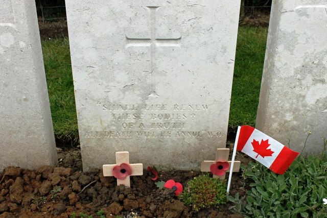 Wilfred Owen's grave in Ors Communal cemetery, France- photo Zoe Dawes
