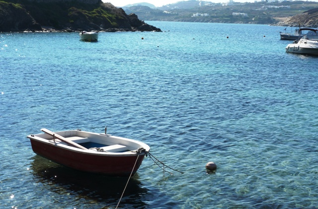 Ornos bay rowing boat, Mykonos - by Zoe Dawes