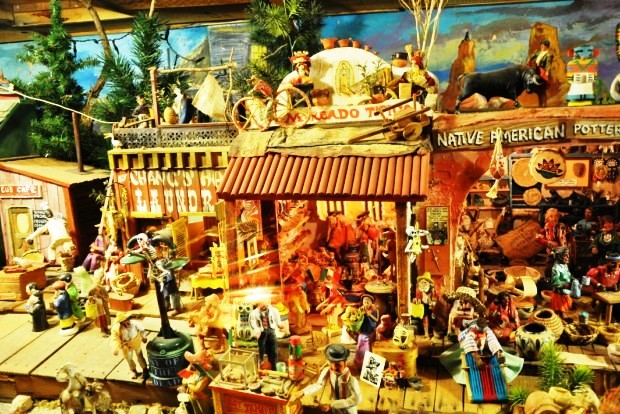 Western town diorama, Tinkertown - photo Steve Collins